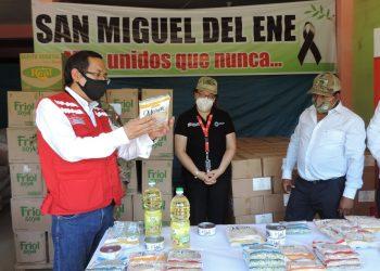 La entrega de 10.37 toneladas de alimentos se hizo al alcalde de la Municipalidad Distrital de Vizcatán del Ene, Alejandro Ataos, quien lo recibió en el almacén municipal situado en la localidad de San Miguel del Ene