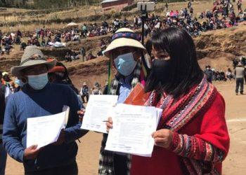 Premier Mirtha Vásquez y dirigentes de Cotabambas muestran acuerdos obtenidos